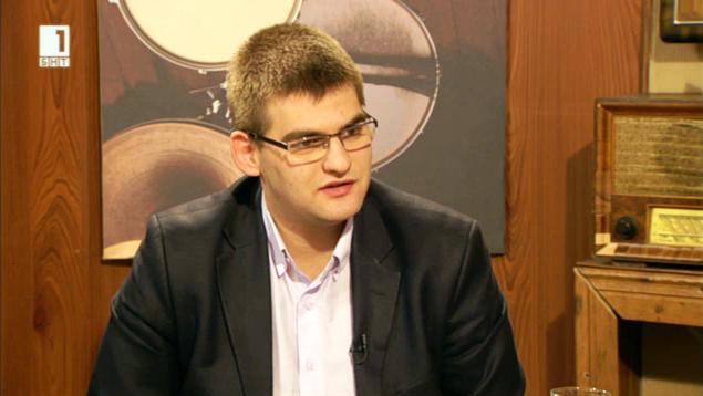 Димитров: Ако правителството нарушава националния интерес, няма смисъл от съществуването му