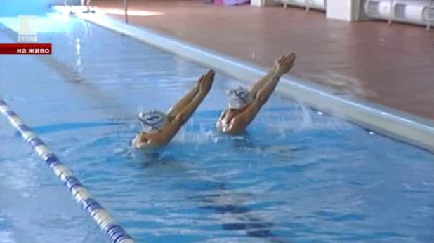 Синхронно плуване в неделното утро