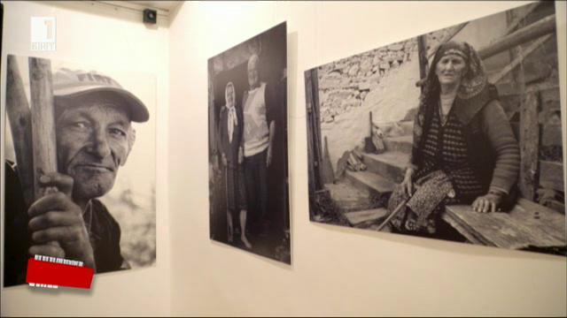 Фотоизложба Далечни песни в Български културен институт Лондон