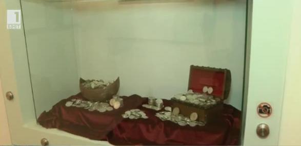 Колекция от над 5000 златни и сребърни монети