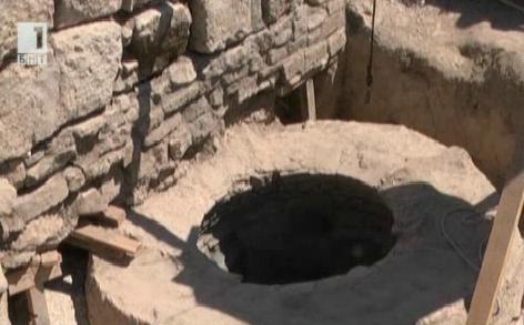 Светена ли е водата от аязмото в Плиска