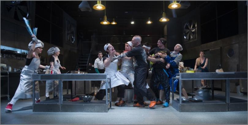 Кухнята и поколенията в Младежкия театър
