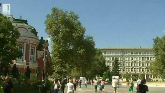 Площад Независимост във Варна