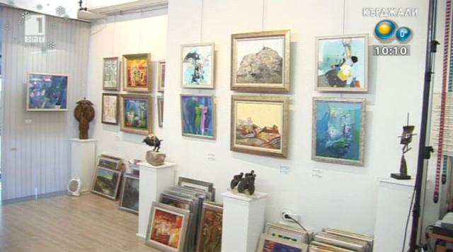 Коледна изложба в ямболската галерия Стойчев