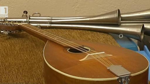 Хоби: Петър Делчев и неговите музикални инструменти