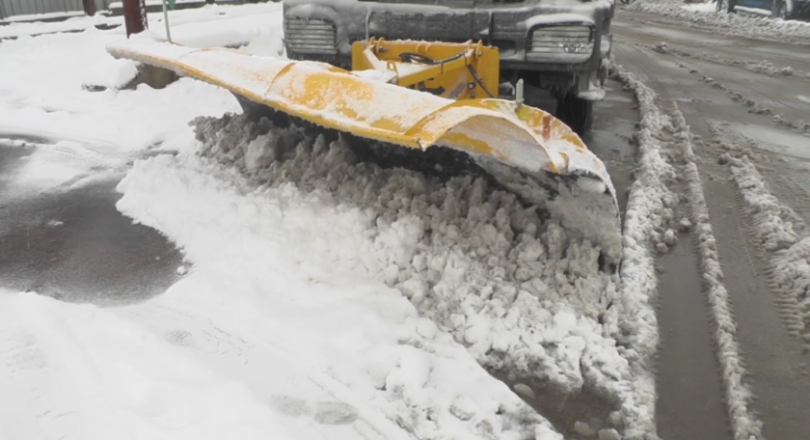 Strong wind, heavy snow causes power outages in six villages in Lom region