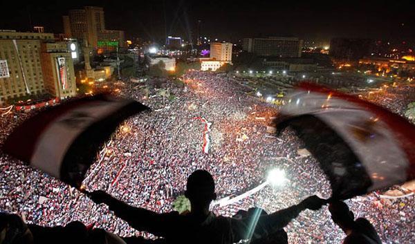 Защо демокрация?: Наблюдаваме ви