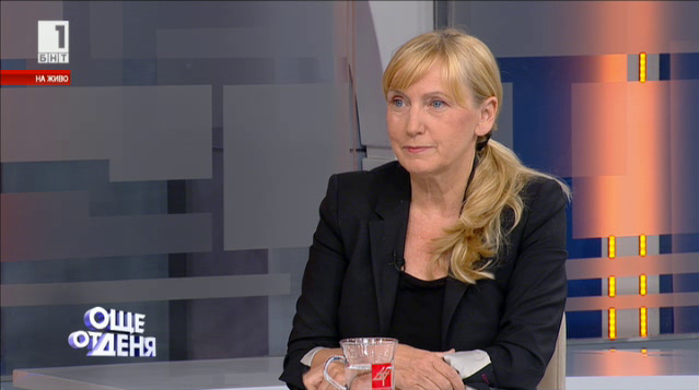 Елена Йончева: Делян Добрев не трябва да подава оставка