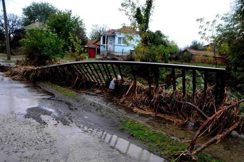 След бедствието: контролът на язовирите и реките - министър Нено Димов