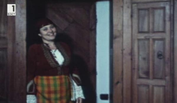 80 години от рождението на родопската народна певица Надежда Хвойнева
