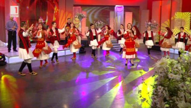 Славеите на Надка Караджова, Боди фолк и млади певци