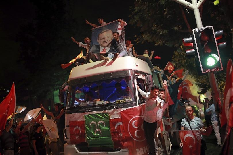 Ердоган печели изборите в Турция с 52,5% подкрепа от избирателите