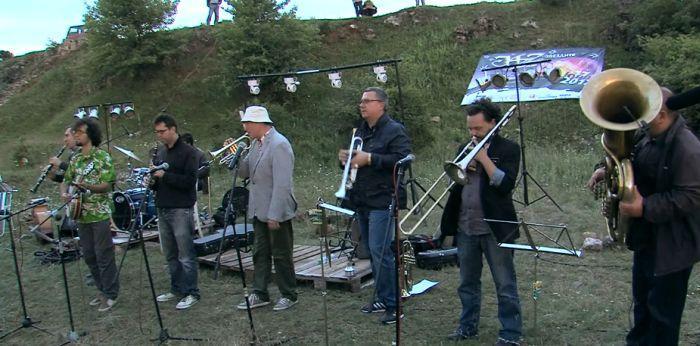 снимка 2 Джаз под звездите на Деветашкото плато