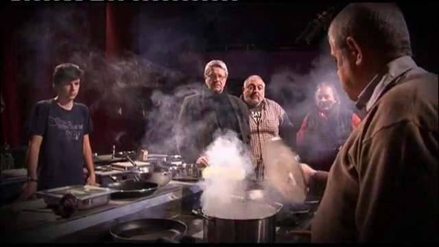 Ути Бъчваров в кухнята на Младежкия театър