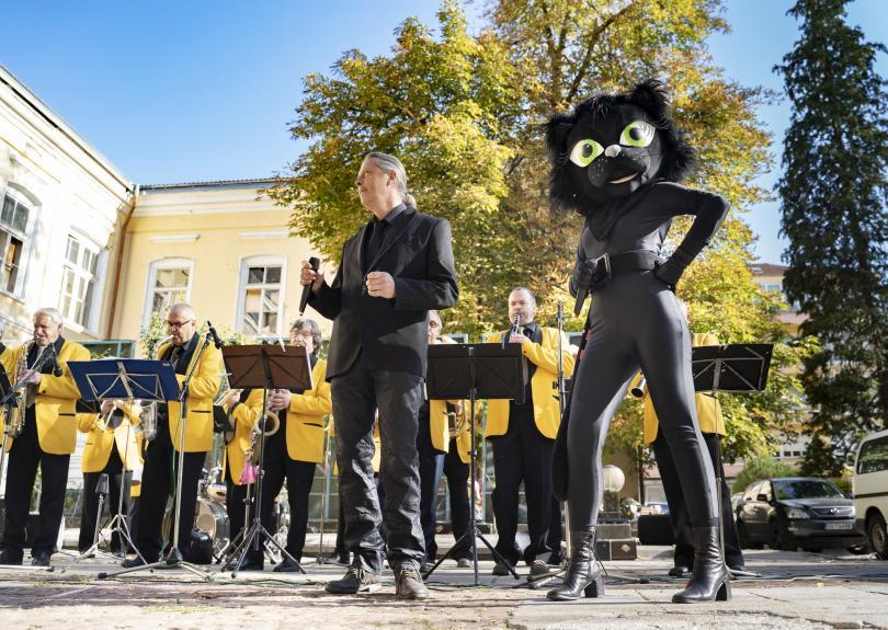 Bulgaria's capital of humour and satire, Gabrovo, gets ready for annual Carnival