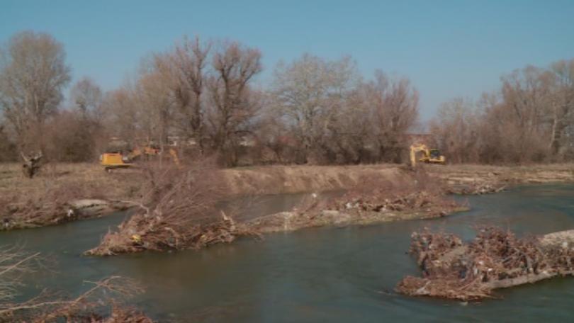 Кой е виновен за скъсаната дига на река Чая?
