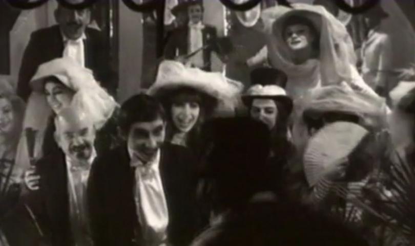 снимка 3 Телевизионен театър: Нова година, нови порядки и Кучешката огърлица