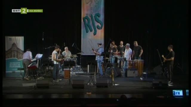 45 години любов към джаза – среща с барабаниста Даниел Джумалийски