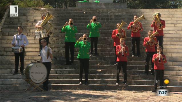 Денят на оркестъра: Литаковско Despacito