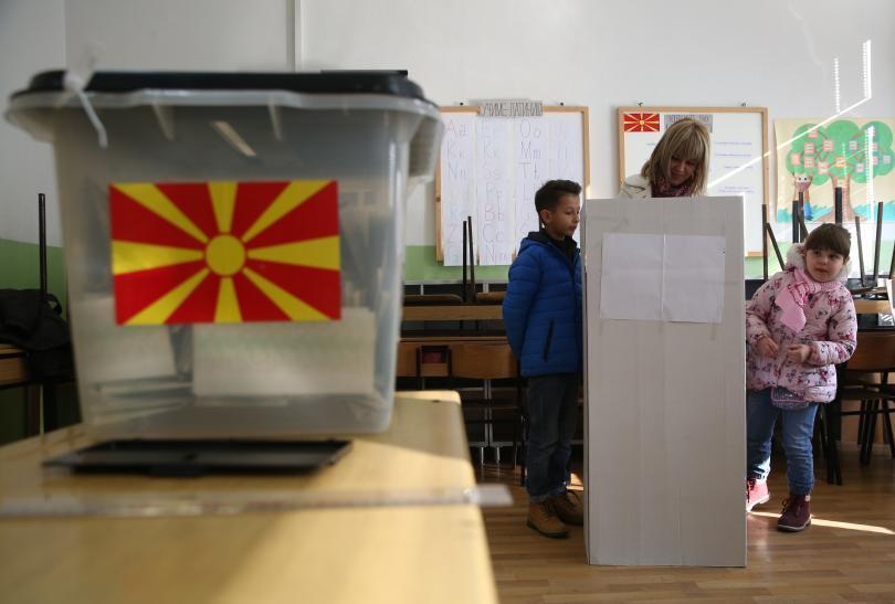 След изборите в Македония и признаването на българското малцинство в Албания