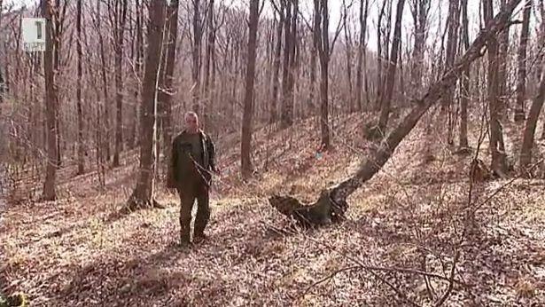 Гриша и Иван, които се грижат за гората
