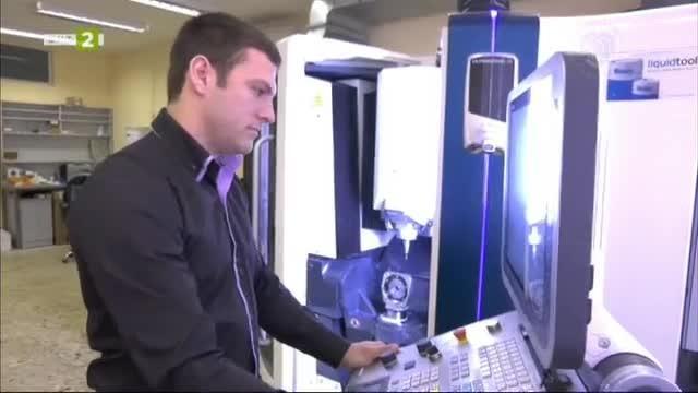 Студенти и преподаватели от ТУ създават дигитално персонални костни импланти
