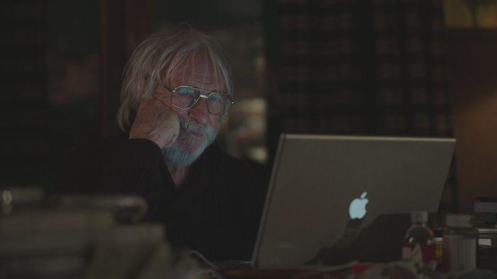 Мистър Щайн е онлайн