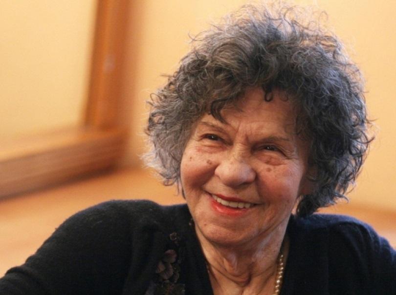 БНТ отбелязва юбилея на любимата Стоянка Мутафова със специална подборка