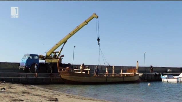 Изпитание на древния тракийски боен кораб по вода