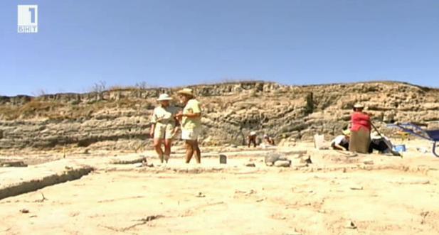 Открития в селищна могила Юнаците показват, че населението там е загинало от пожар и нападение от други племена