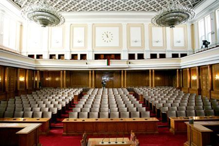 Как ще се подреди парламентът?