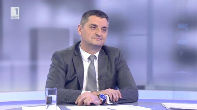 Присъдата за тефтерчето – разговор с Кирил Добрев