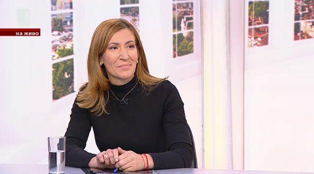 Николина Ангелкова за приливите и отливите в туризма