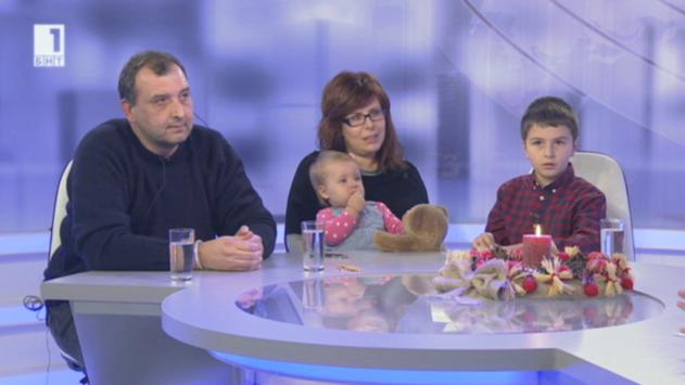 В рубриката Снимките на глас - кадрите от годината коментират Марина Ангелова и Васил Донев