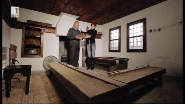"""В рубриката """"България отблизо"""": Свещоливница и килийно училище в двора на една от най-старите църкви в Родопите"""