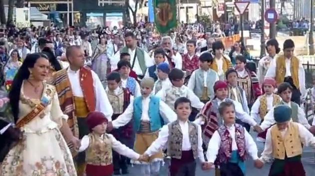 Фестивалът Las Fallas във Валенсия