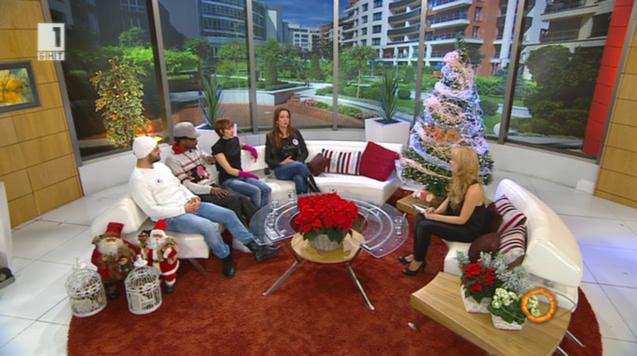 """Коледната песен на Holiday Heroes с премиера в """"Отблизо с Мира"""""""