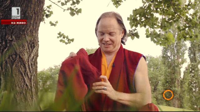 Монахът-милионер Геше Майкъл Роуч отблизо
