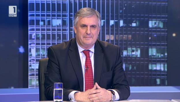 Ивайло Калфин: Държавата да покаже грижа към родителите на малки деца