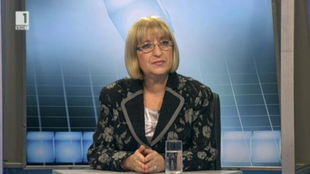 ГЕРБ срещу кабинета – разговор с Цецка Цачева