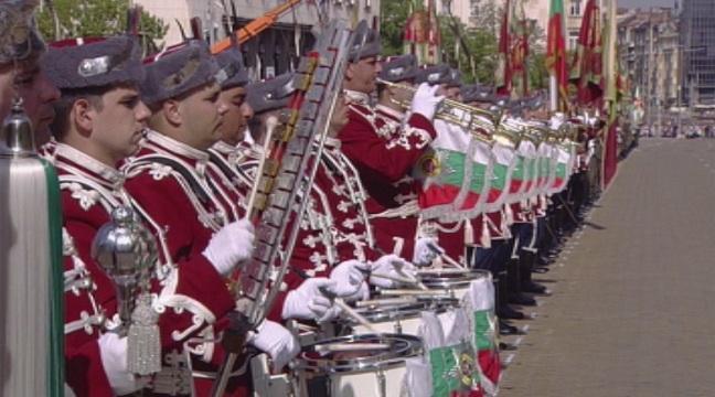 За състоянието на армията, службите и МВР. Гостува Димитър Главчев