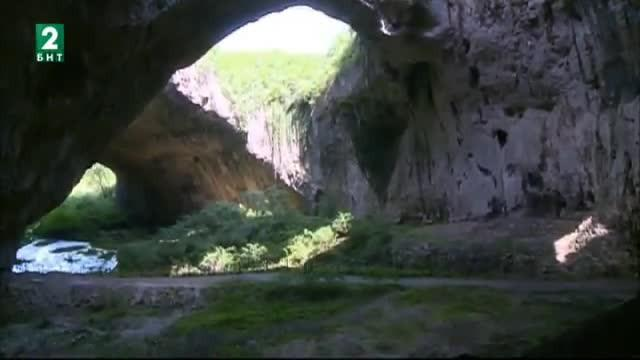 Пътувай с БНТ 2: Деветашкото плато и Крушунските водопади