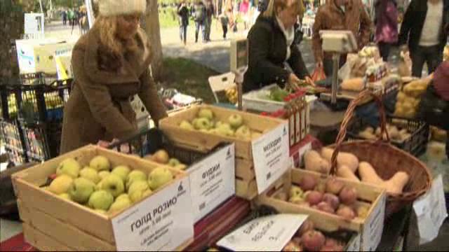 Изобилие от био продукти на фермерските пазари в София