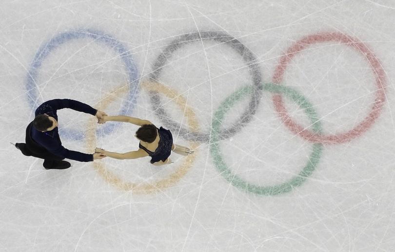 Часове преди запалването на олимпийския огън
