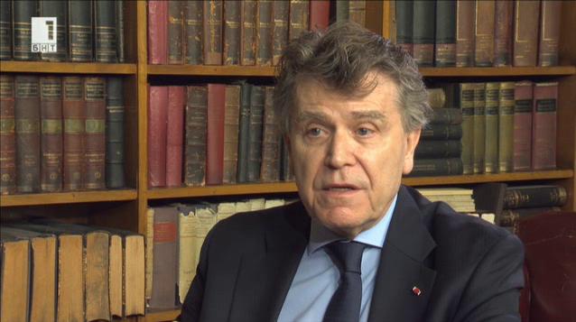 Сянката на миналото и шокът на бъдещето – френският политолог Тиери дьо Монбриал