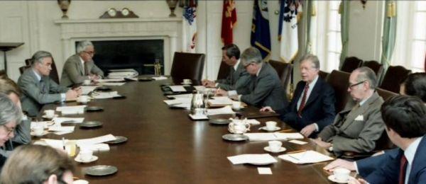 снимка 1 Дясната ръка на президента