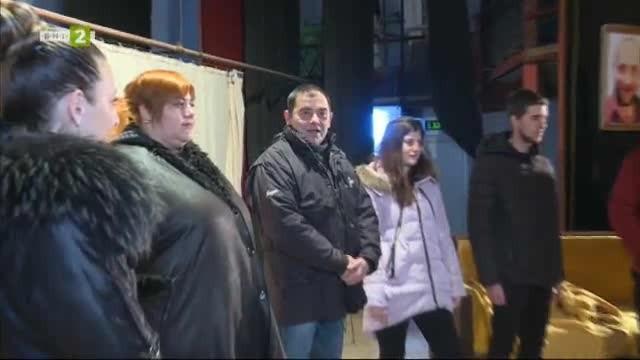 Постановката Не всеки крадец е мошеник, представена от самодейните актьори
