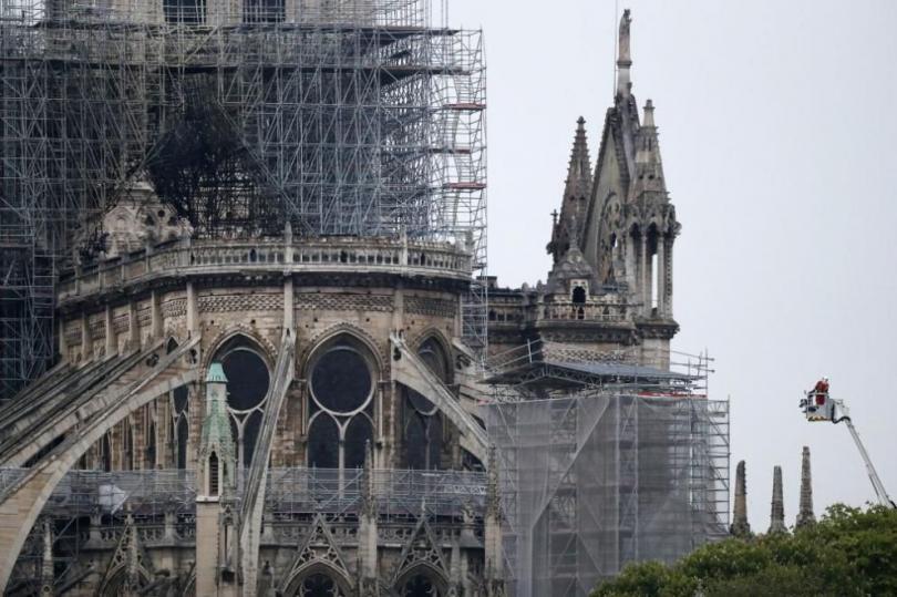 Има ли отлив на туристи в Париж заради Нотр Дам