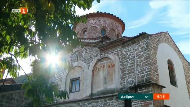Възстановяват стенописите в църквата Св. Архангели в Бачковския манастир