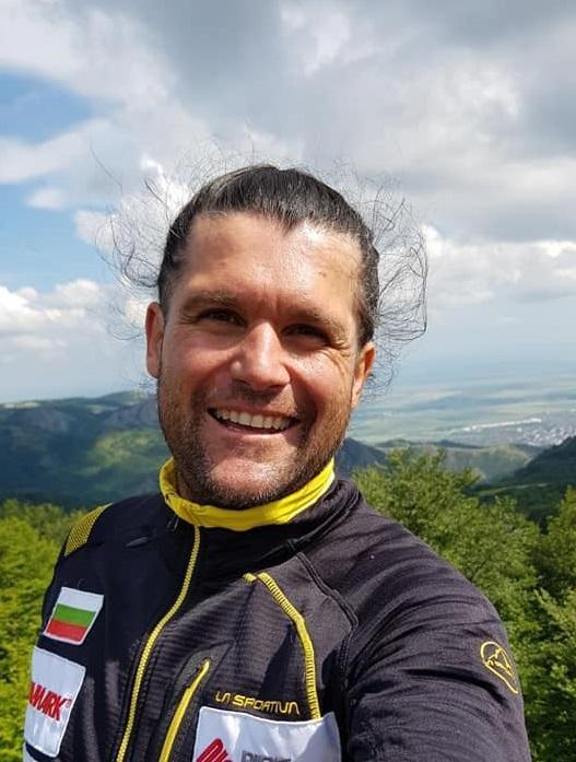 Bulgarian Atanas Skatov summited 8 of the world's highest mountain peaks